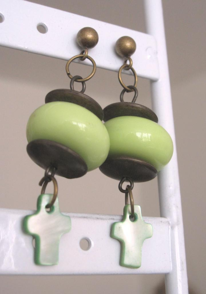 Boucles perle verte