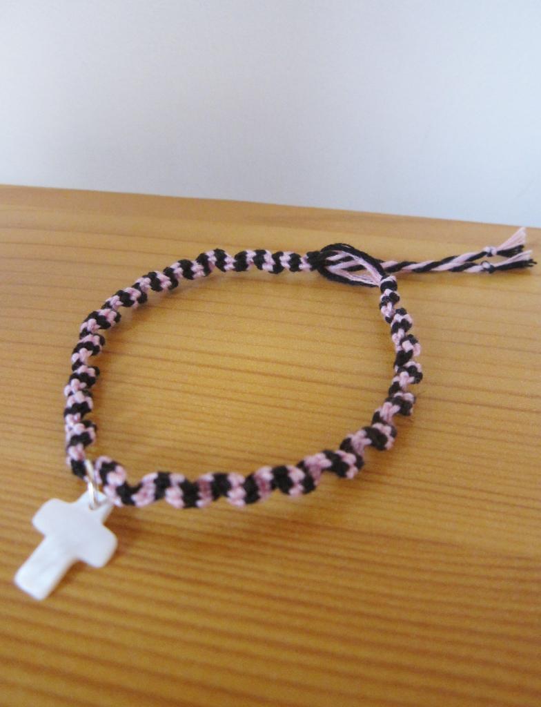 """Bracelet rumba """"croix blanche"""" rose et noir"""