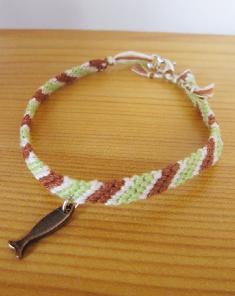 """Bracelet samba homme """"ichtus"""" en vert et marron"""