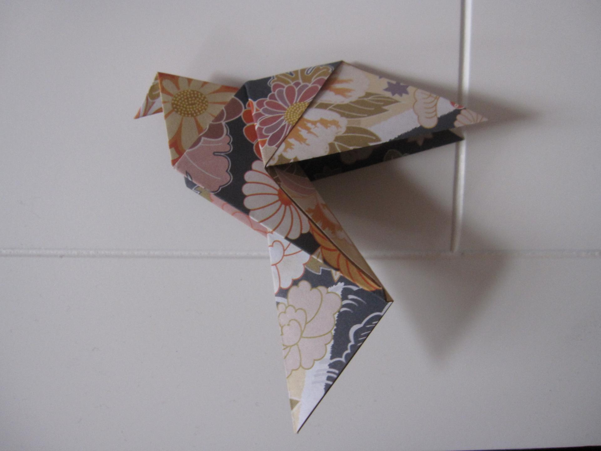 Colombe papier traditionnel origami